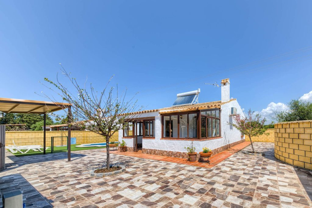 Cortijo Río Salado - Vista General - Apartamentos Patio Andaluz - Playa de La Fontanilla (Conil)