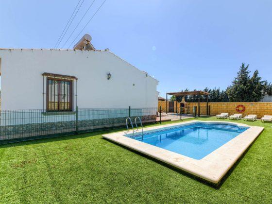 Cortijo Río Salado - Piscina - Apartamentos Patio Andaluz - Playa de La Fontanilla (Conil)