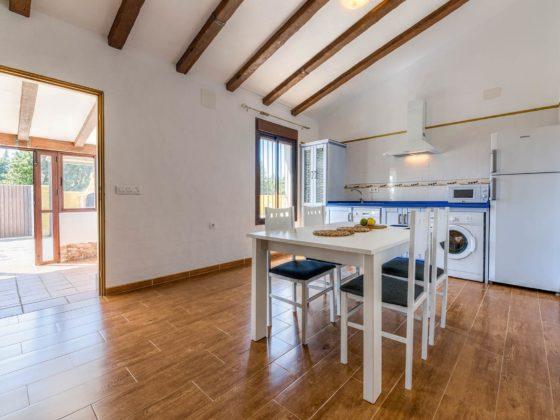 Cortijo Río Salado - Cocina y Office - Apartamentos Patio Andaluz - Playa de La Fontanilla (Conil)