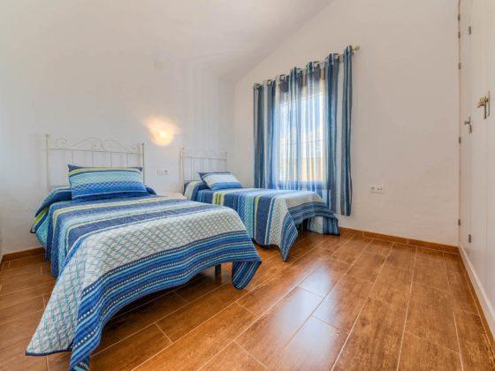 Cortijo Río Salado - Dormitorio 2 camas - Apartamentos Patio Andaluz - Playa de La Fontanilla (Conil)