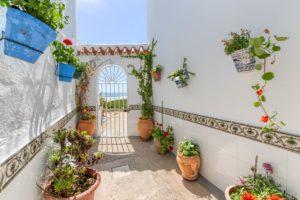 Patio y Cancela - Apartamentos Patio Andaluz - Playa de La Fontanilla (Conil)