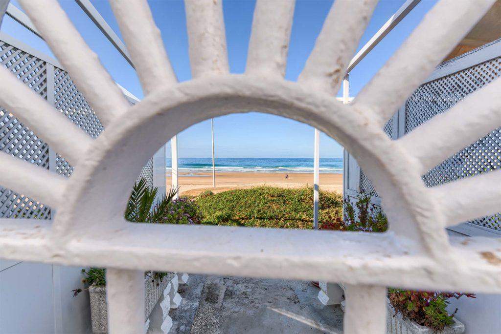 Cabecera Contactar - Apartamentos Patio Andaluz - Playa de La Fontanilla (Conil)
