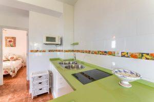 Apartamento 2 - Cocina - Apartamentos Patio Andaluz - Playa de La Fontanilla (Conil)