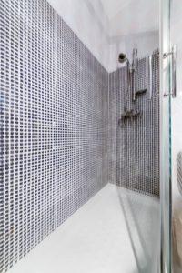 Apartamento 5 - Ducha - Apartamentos Patio Andaluz - Playa de La Fontanilla (Conil)