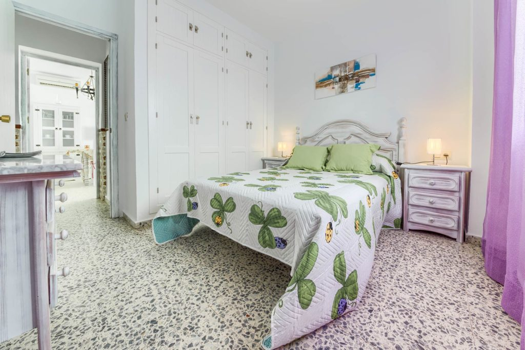 Apartamento 5 - Dormitorio Principal - Apartamentos Patio Andaluz - Playa de La Fontanilla (Conil)