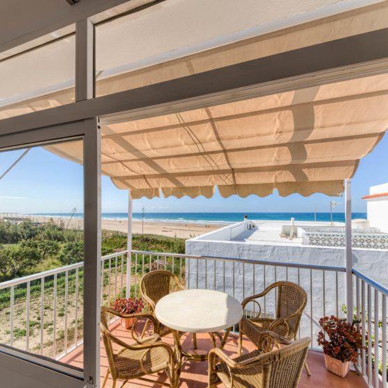 Apartamento 5 - Terraza - Apartamentos Patio Andaluz - Playa de La Fontanilla (Conil)