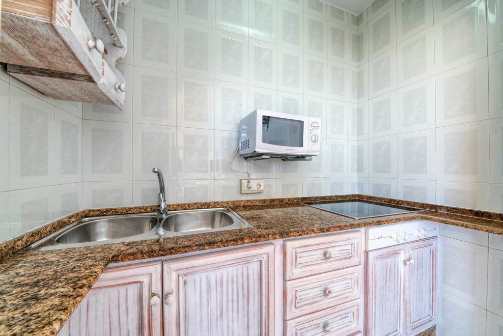 Apartamento 5 - Cocina - Apartamentos Patio Andaluz - Playa de La Fontanilla (Conil)