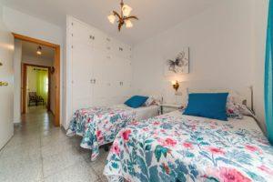 Apartamento Atalaya - Dormitorio 2 Camas - Apartamentos Patio Andaluz - Playa de La Fontanilla (Conil)