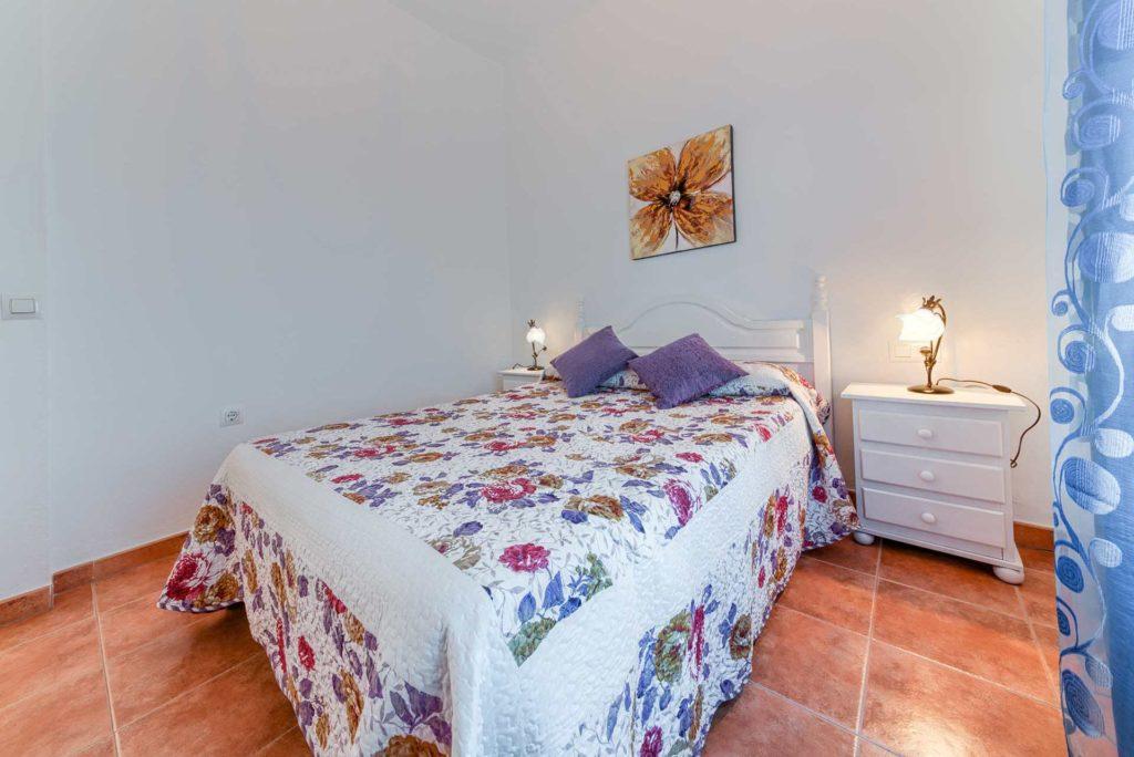 Apartamento Huerto - Dormitorio Principal - Apartamentos Patio Andaluz - Playa de La Fontanilla (Conil)