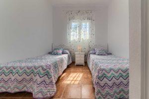 Apartamento Huerto - Dormitorio 2 Camas - Apartamentos Patio Andaluz - Playa de La Fontanilla (Conil)
