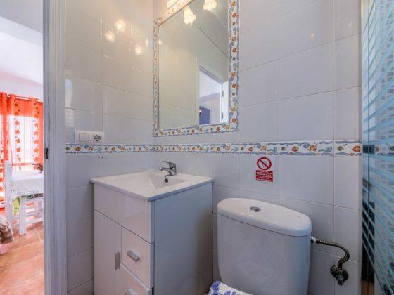 Apartamento Huerto - Aseo y Baño - Apartamentos Patio Andaluz - Playa de La Fontanilla (Conil)