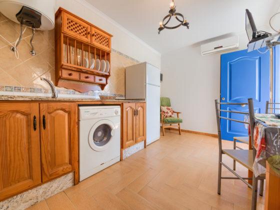 Apartamento Huerto - Cocina - Apartamentos Patio Andaluz - Playa de La Fontanilla (Conil)