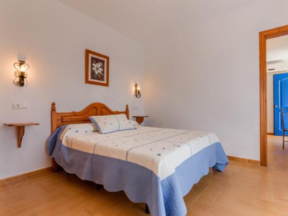Apartamento Huerto - Dormitorio - Apartamentos Patio Andaluz - Playa de La Fontanilla (Conil)