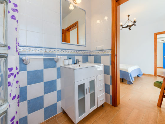 Apartamento Huerto - Baño - Apartamentos Patio Andaluz - Playa de La Fontanilla (Conil)