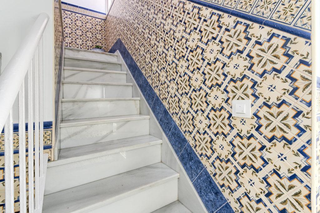 Apartamento 1 - Escaleras - Apartamentos Patio Andaluz - Playa de La Fontanilla (Conil)