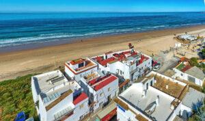 Vista de la Playa de La Fontanilla - Apartamentos Patio Andaluz - Playa de La Fontanilla (Conil)