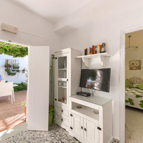 Apartamento 1 - Hall de Entrada - Apartamentos Patio Andaluz - Playa de La Fontanilla (Conil)