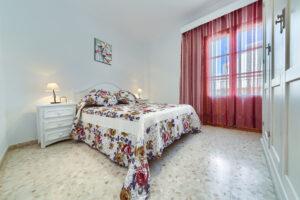 Apartamento Baluarte - Dormitorio Principal - Apartamentos Patio Andaluz - Playa de La Fontanilla (Conil)